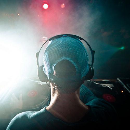 UK Discos   Mobile DJ & Disco Company